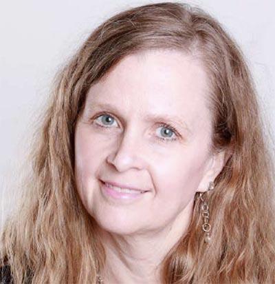 D<sup>re</sup> Leanne M. Ward